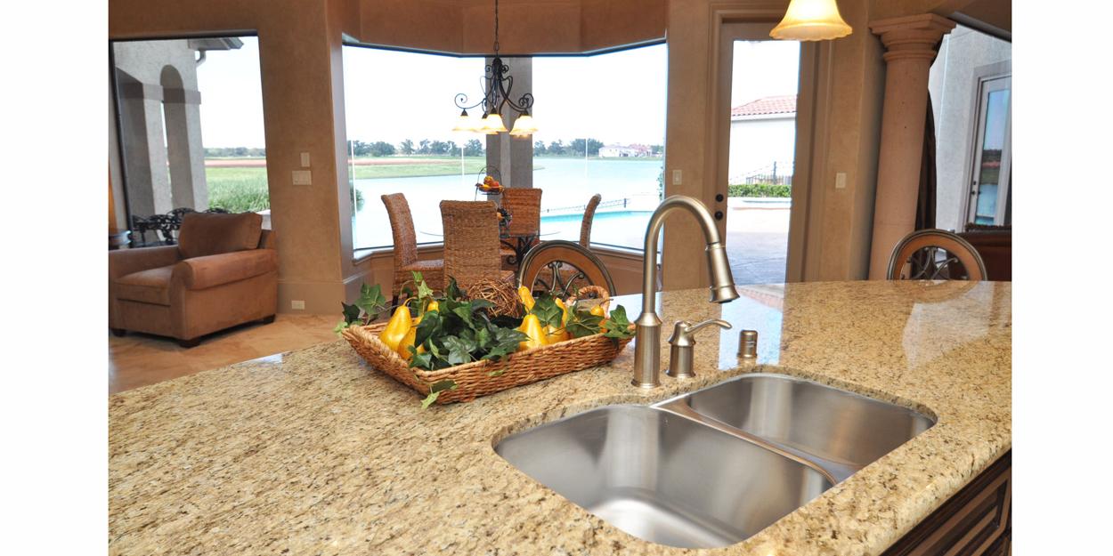 Kitchen-Sink-and-Breakfast-View