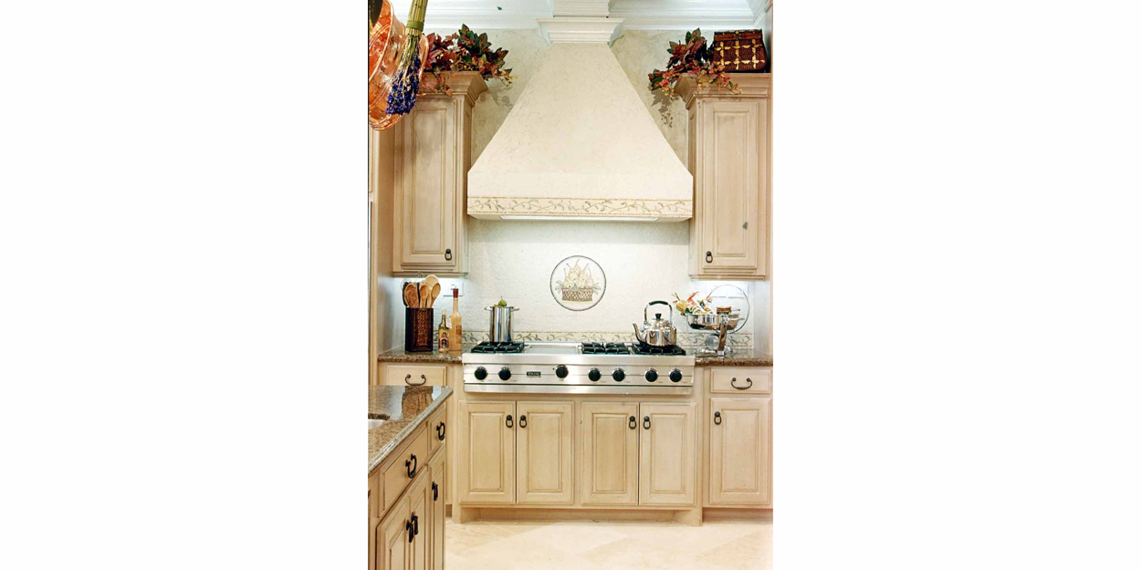 Kitchen-cooktop-and-hood1
